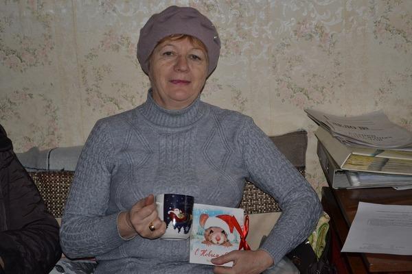 Единороссы поздравили с предстоящими праздниками членов Всероссийского общества инвалидов